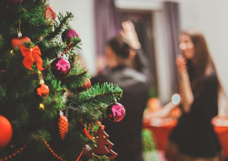 11 tips for planning the best Christmas work party